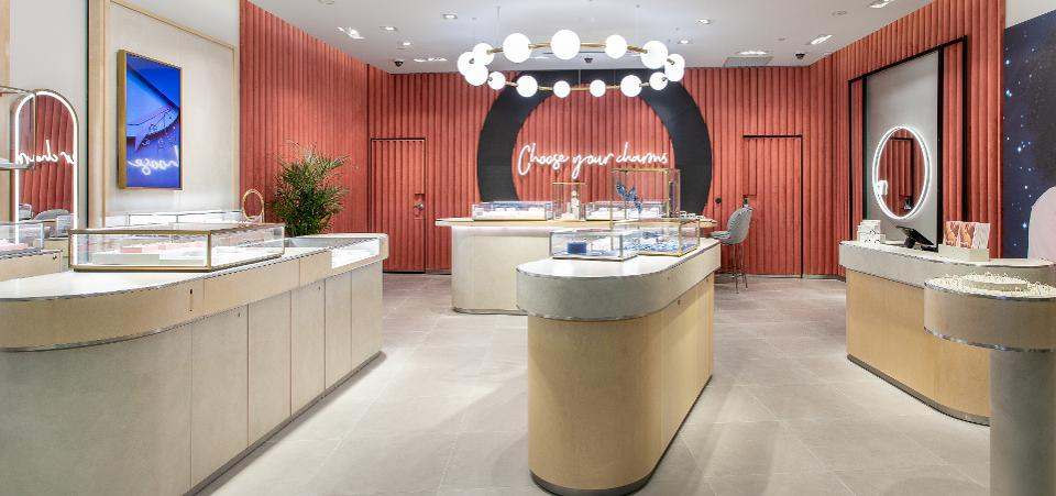 Pandora Creates A New Box For Its Retail Stores To Lure More Shoppers - deals in retail
